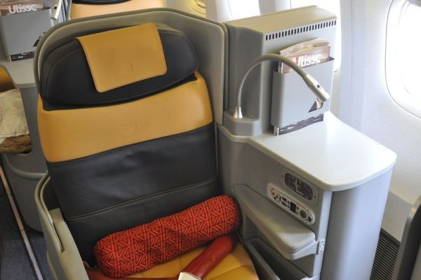 Alitalia Boeing 777 Business Class