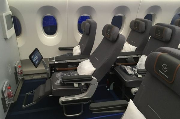 Lufthansa Airbus A350-900 Premium Economy Class