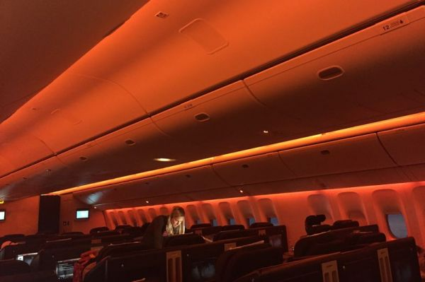 TAAG Air Angola Boeing 777-300ER Business Class
